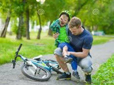 Enfant tombé de vélo